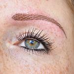 resultaat van een wenkbrauwen behandeling bij pmustudionicole